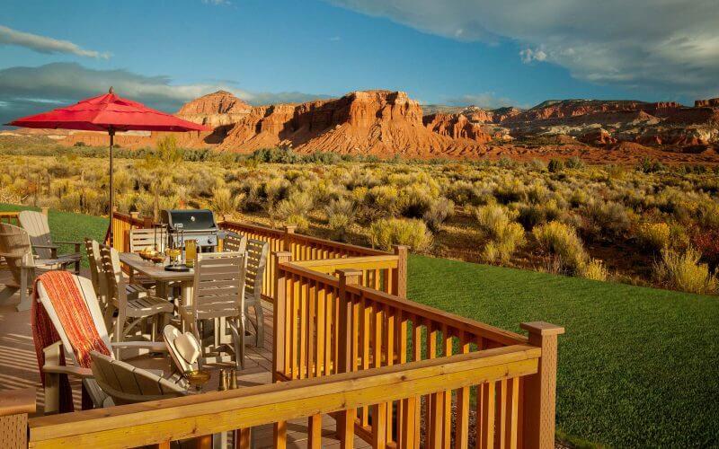2-Bedroom-QQ-Cabin---Deck